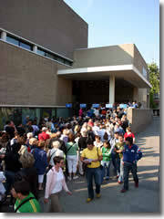 Long lines at the Van Gogh Museum, Amsterdam