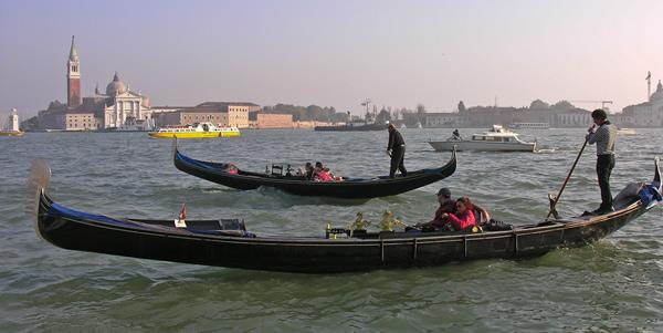 how to build a venetian gondola